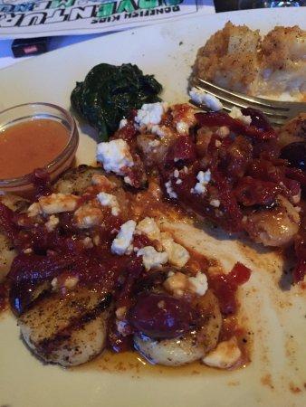 Gainesville, VA: Saucy shrimp and scallops