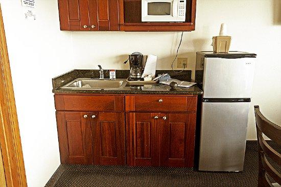 Manzanita, OR: Full-size fridge, microwave, coffee maker