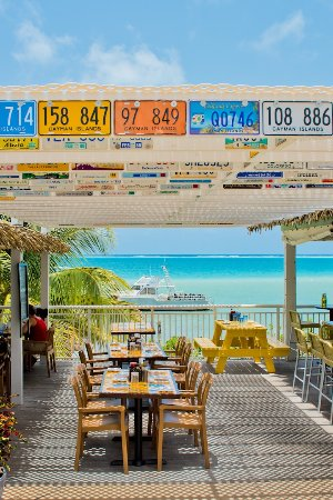 Eagle Ray's Bar & Grill: Ocean Tables