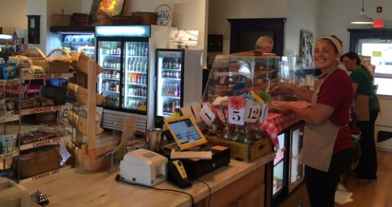 Interlaken, NY: Helpful staff at the Busy Bee
