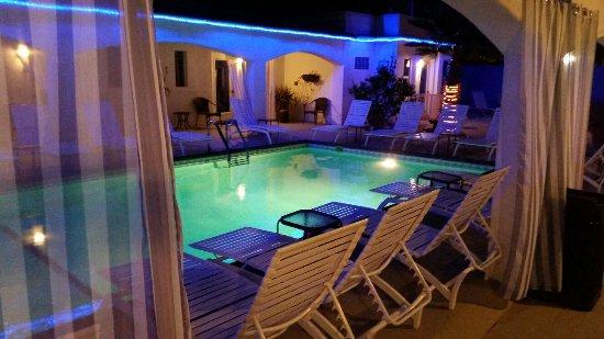 POSH Palm Springs Inn: 20160706_232625_large.jpg