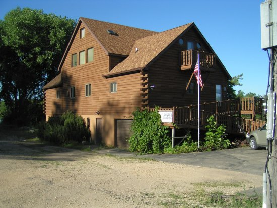 Eagles Landing Bed & Breakfast: The main building
