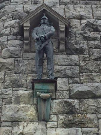 Washington's Headquarters State Historic Site: Sculpture on Monument