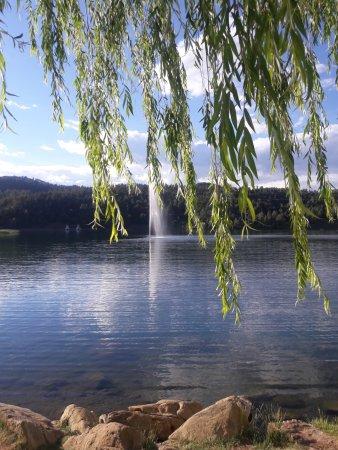 Inn of the Mountain Gods Resort & Casino: The beautiful lake