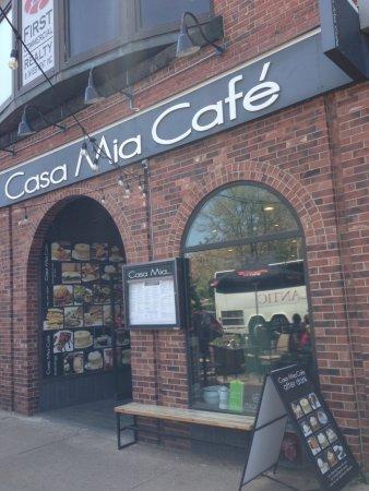 Casa Mia Restaurant : view from street