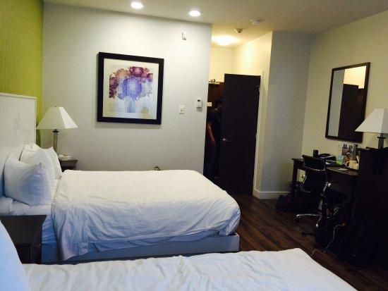 Kelowna Inn & Suites: photo2.jpg