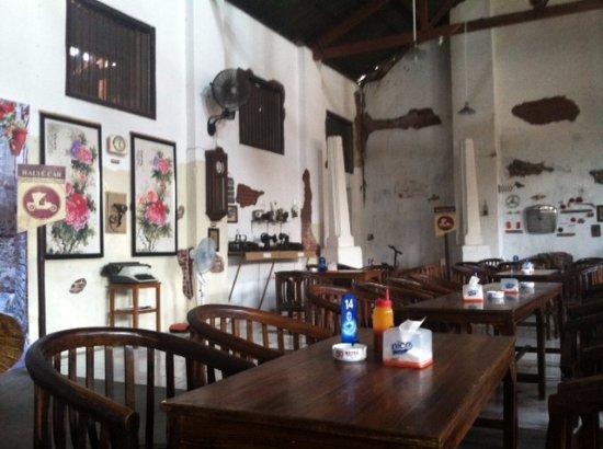 Retro Cafe Semarang Ulasan Restoran Tripadvisor