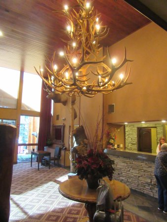 The Lodge at Jackson Hole: The foyer 1.