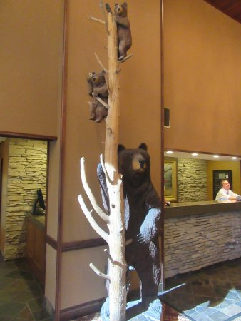 The Lodge at Jackson Hole: The foyer 2.