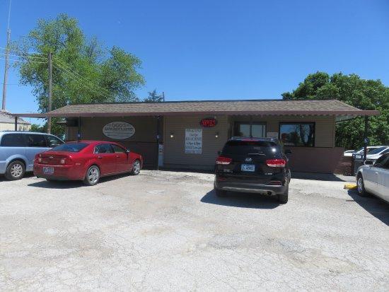 Keokuk, Iowa: Exterior - Ogo's Family Restaurant