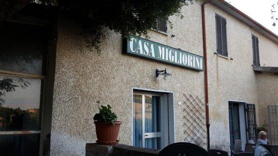 Campagnatico, Italia: Il ristorante dal tavolo all'aperto