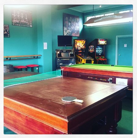 Mapleton Tavern: Pool Table, Table Tennis, Darts, Arcade Games And Some  Pokie