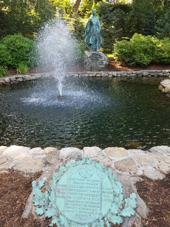 Brewster Gardens