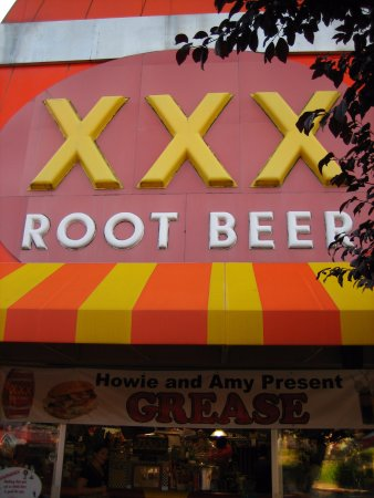 Issaquah, WA: Large Outdoor Sign - XXX Root Beer
