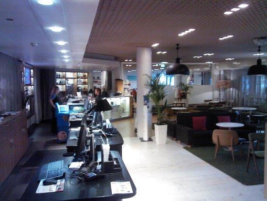 Radisson Blu Hotel, Espoo: Ресепшин
