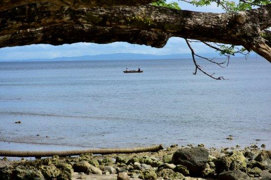 Daku Resort: Fishing in the bay
