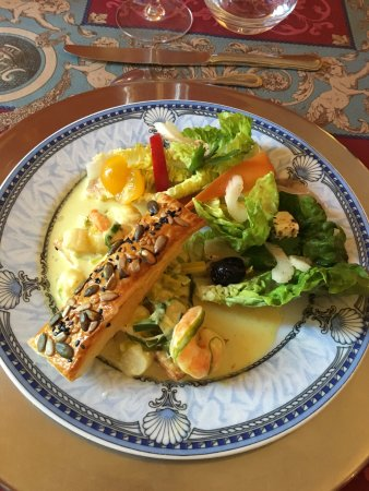 Ancemont, France : entree- prawn in cream sauce with mille feuille