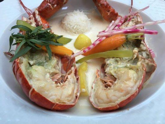 Habay-la-Neuve, เบลเยียม: Une tradition dans la famille Thiry, ce Homard Baby cuit dans sa crème fleurette à l'estragon, l