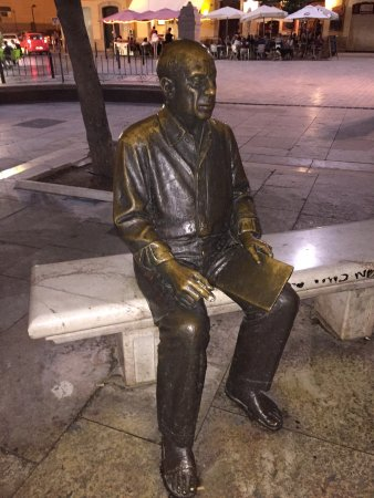 Estatua de Pablo Ruiz Picasso