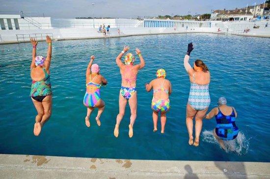 Jubilee Pool: fun with friends