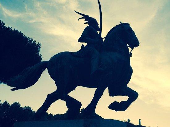 Monumento Equestre Dedicato a Scanderberg