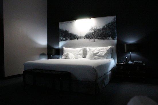 Fontecruz Lisboa, Autograph Collection: Large King size bed