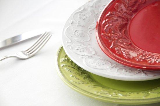 La Focaccia: Piatti molto particolari spesso verdi bianchi e rossi, ma non solo.