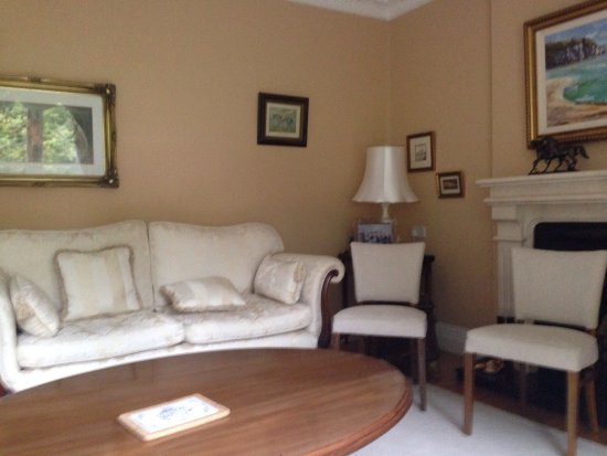 Abbeyleix, Irlandia: Photo of bedroom and drawing room