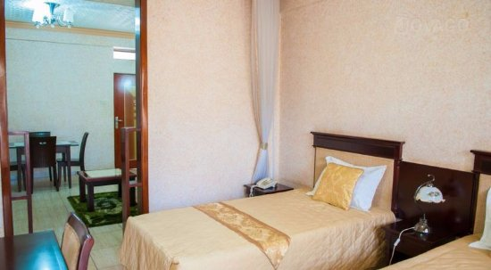 Crown Jakiba Hotel