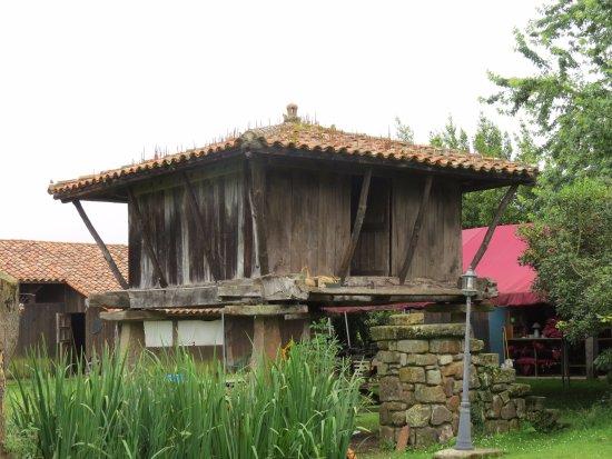 La Quintana de la Foncalada: Dormir en el hórreo ¡maravilloso!