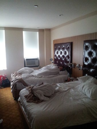 days inn hotel new york city broadway picture of days. Black Bedroom Furniture Sets. Home Design Ideas