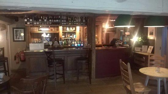 Copthorne, UK: Well kept bar good beers