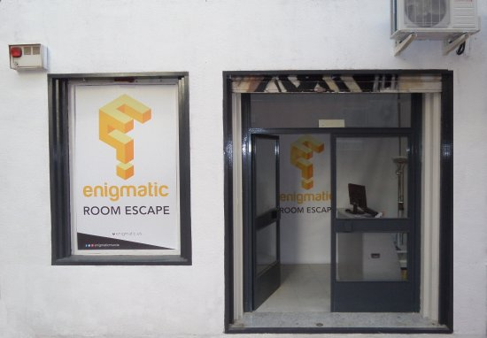 ‪Enigmatic Room Escape‬