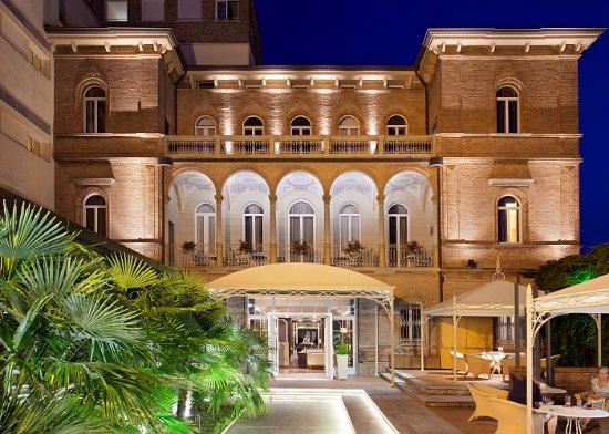 阿德里亞阿姆賓特別墅酒店