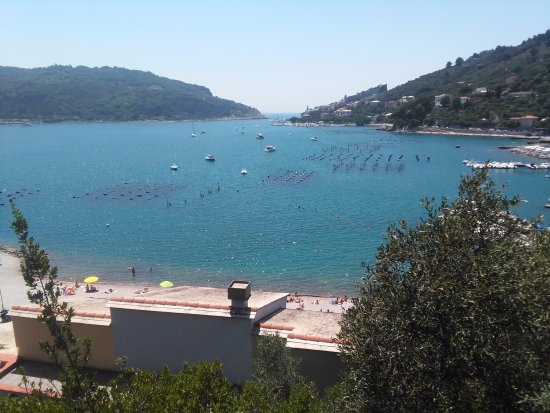 Residence i Gabbiani : View from the room... You can see the beach :)