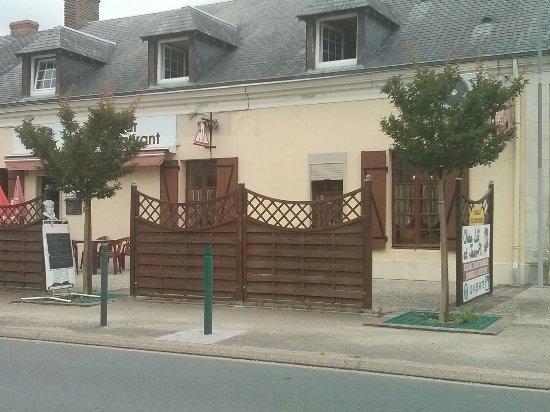 Noyant, Fransa: TA_IMG_20160711_133243_large.jpg
