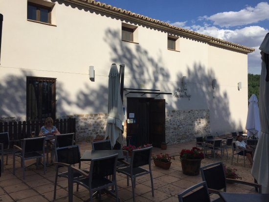 Monreal del Campo, Espanha: Wonderful little hotel on the edge of this quiet village. Clean, quaint and perfect for our stop