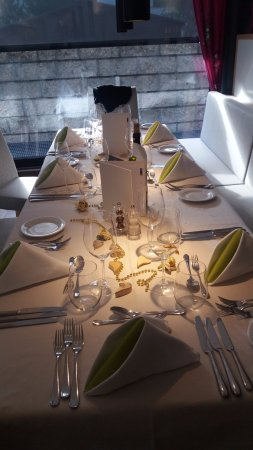 Sporthotel Paradies: Uiterst verzorgde verjaardagstafel