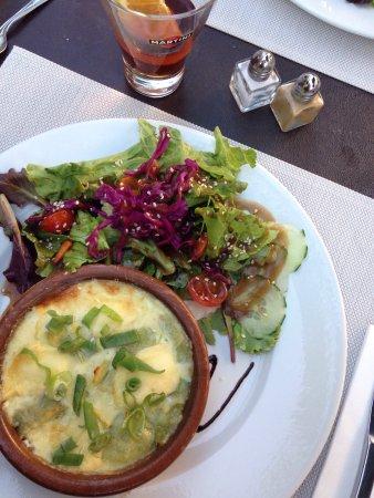Saint-Paul-Trois-Chateaux, Fransa: Nous avions étais agréablement surpris par se restaurant où nous avons très bien manger pour une