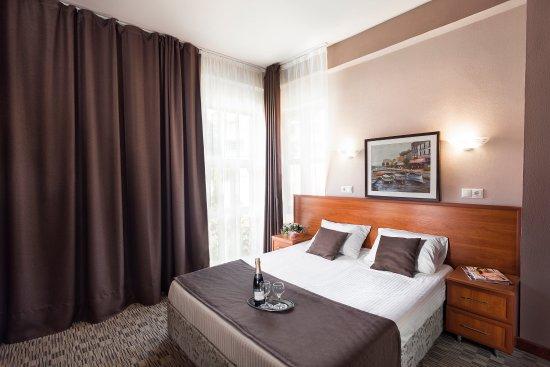 Raduzhny Hotel