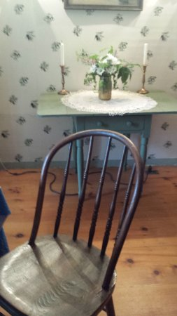 Brookfield, VT: Old fashioned furniture in dining area