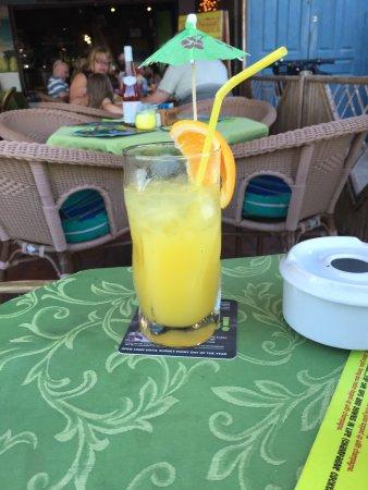 Paddys Paradise Beach Bar & Grill: photo9.jpg