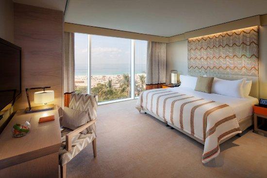 Jumeirah Beach Hotel: Three Bedroom Ocean Suite - Bedroom