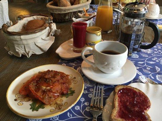La Maison du Parc: homemade (gluten-free) tomato and goat cheese, fruit purees, gluten-free bread, homemade jams