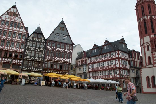 old city square frankfurt frankfurt free alternative. Black Bedroom Furniture Sets. Home Design Ideas