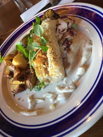 Carbonear, Kanada: Native Oven Roasted Cod with potatoes and cole slaw. Delicious!