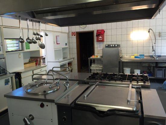 Kastellaun, Германия: Die Küche hat es mir persönlich am meisten angetan. Hier kann man für seine Gruppe ordentlich wa