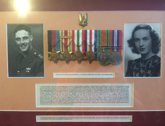 Sennecey-le-Grand, Prancis: The medals of David Leigh, his brother Tom was one of the 50 murdered after the Great Escapee