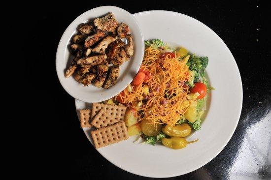 Cleveland, MS: Grilled Chicken Salad