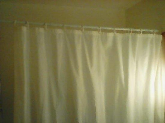 rideau de douche vieillot - Photo de Ibis Budget Archamps Porte de ...